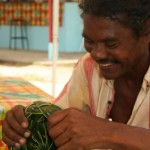 Tressage de palmes de cocotier
